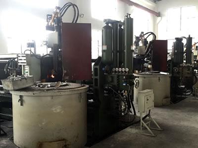 机械臂压铸设备